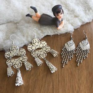 💎 Lot of 2 Pairs Silver Tone Dangle Earrings